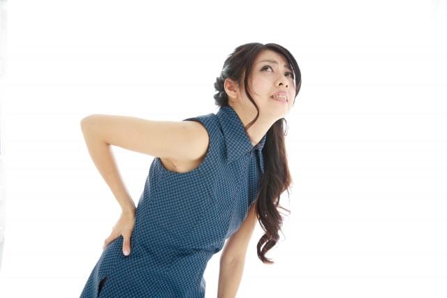 生理中に腰が痛い2つの理由と自宅でできる対策法