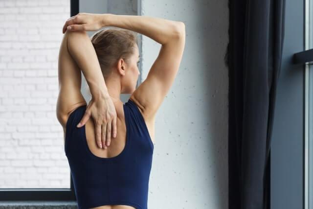 腰痛の原因を姿勢でリセット!正しい姿勢と具体的な3つのアドバイス