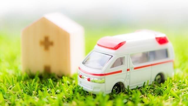 救急車のミニチュア模型