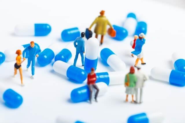 薬と人の模型