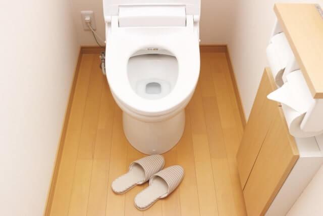 トイレとスリッパ