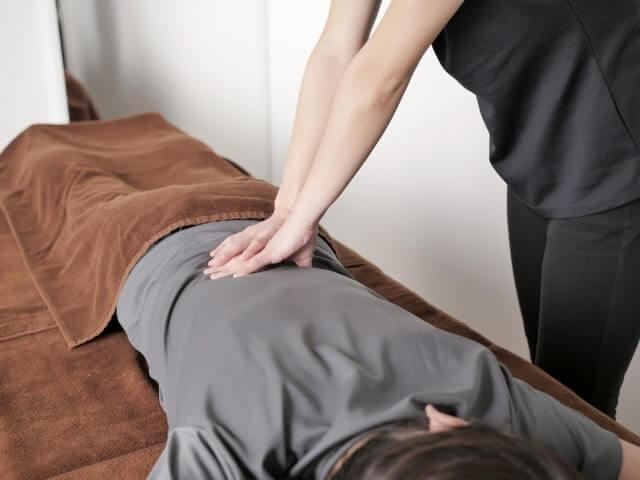 接骨院の腰へのマッサージ