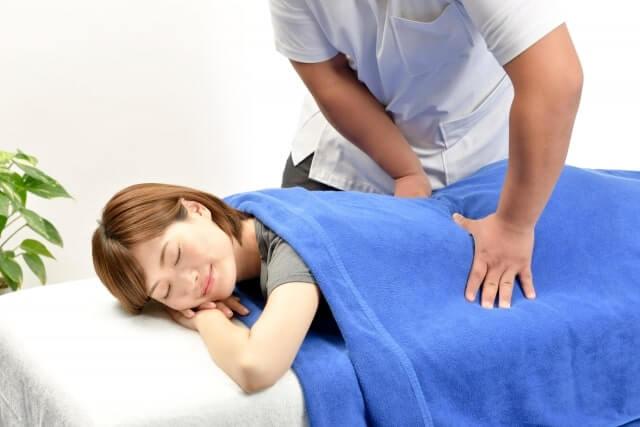 産後の骨盤矯正は保険でできる?接骨院と整体院について