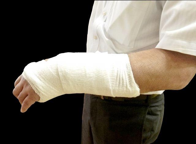 整骨院で骨折のリハビリはできるの?整骨院でリハビリ可能な症状を解説します