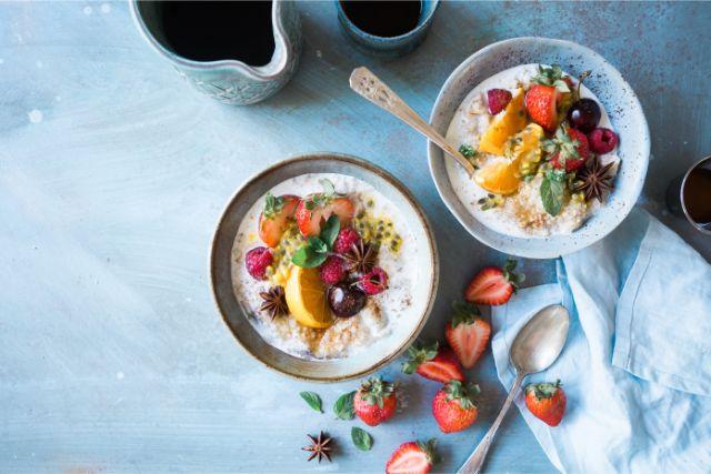 筋トレ女性が食べるべきダイエット食事メニューは?筋肉がつくおすすめの食べ物・栄養を公開
