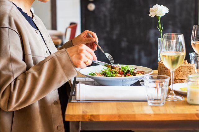 食事制限ダイエットでうまく痩せない理由は?考えられる3つの要因