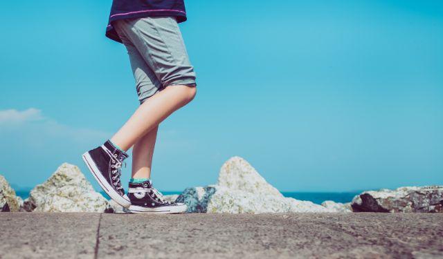 膝に水が溜まる病気には何があるの?若い人にも多い膝の疾患を徹底解説