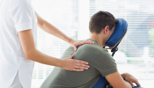 肩こりを良くするには整体とマッサージどっちがいいの?